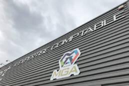 Enseigne & signalétique - Studio OnOz - Agence de communication | Gard - Nîmes | Haute-Garonne - Toulouse